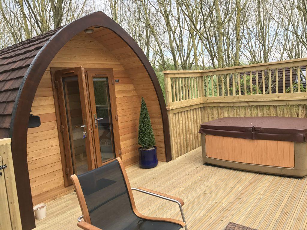 Warwickshire Pod with hot tub
